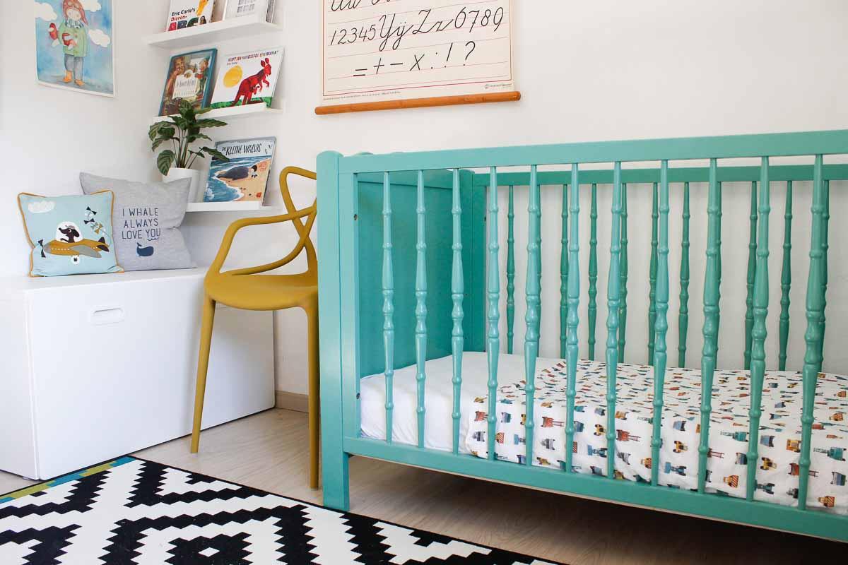 5 tips om je baby door te laten slapen
