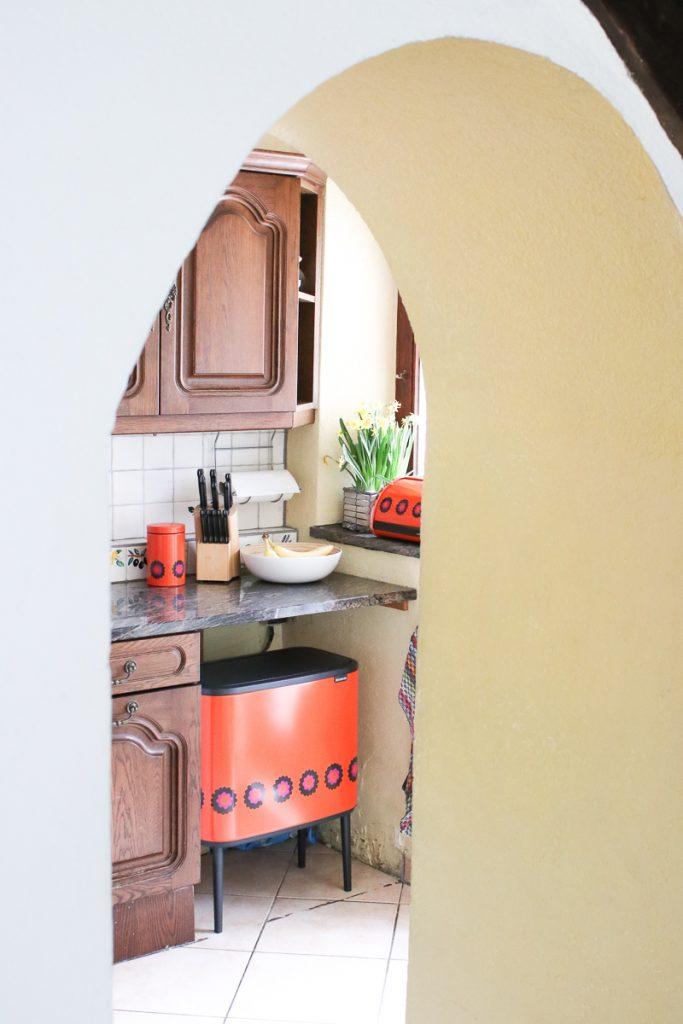 prullenbak Brabantia in keuken retro design