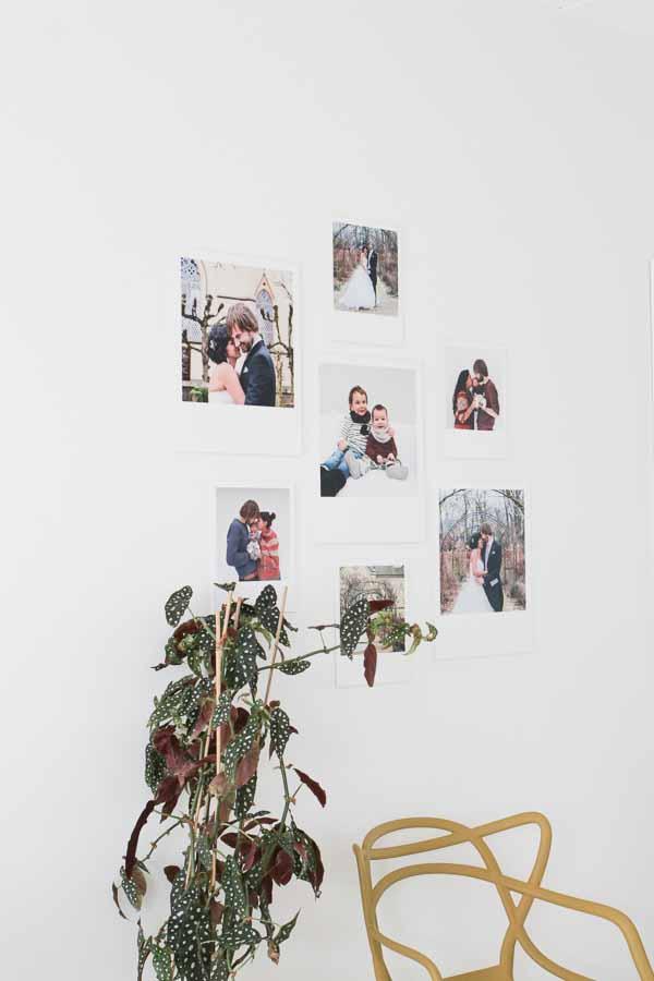 Een gallery wall met retro prints