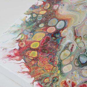 Zo maak je zelf een pouring schilderij met cellen