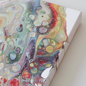 Wil je graag een pouring schilderij maken met cellen? In deze duidelijke en goed volg bare DIY laat ik je zien hoe jij zelf een mooi schilderij maakt!