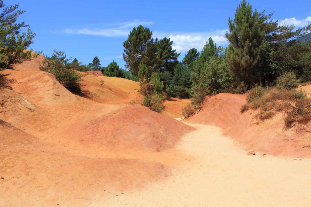 rode zandvlakte in Frankrijk Colorado Rocks