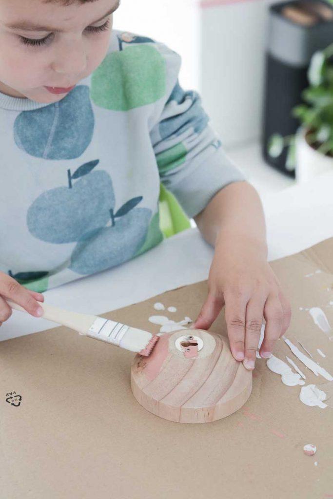 Goedkope design wandhaken beschilderen met kinderen