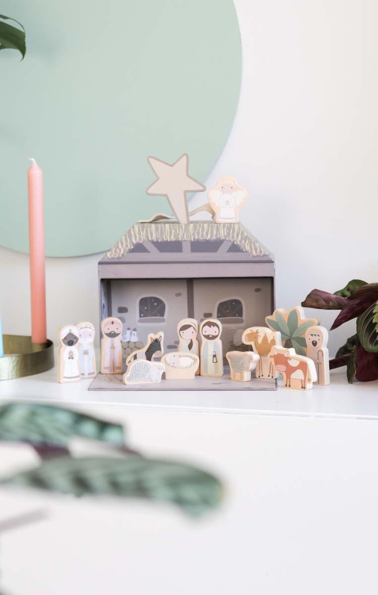 Mooie design kerststal om mee te spelen