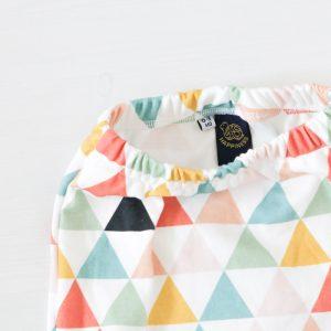 Driehoek print op biologische handgemaakte babykleding FS Happiness