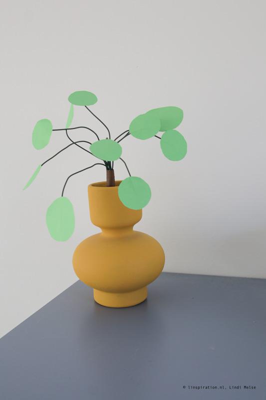 Kamerplant van papier maken DIY papierplant
