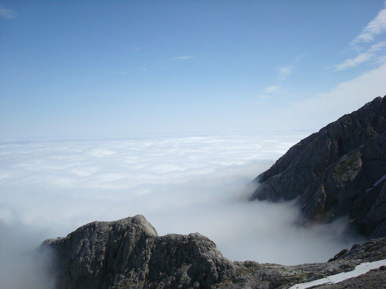 Betekenis Hemelvaart wolken